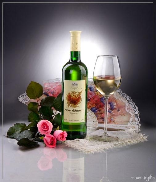вино фужер розы веер натюрморт