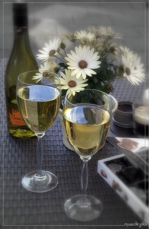 картинка ромашки вино фужеры конфеты